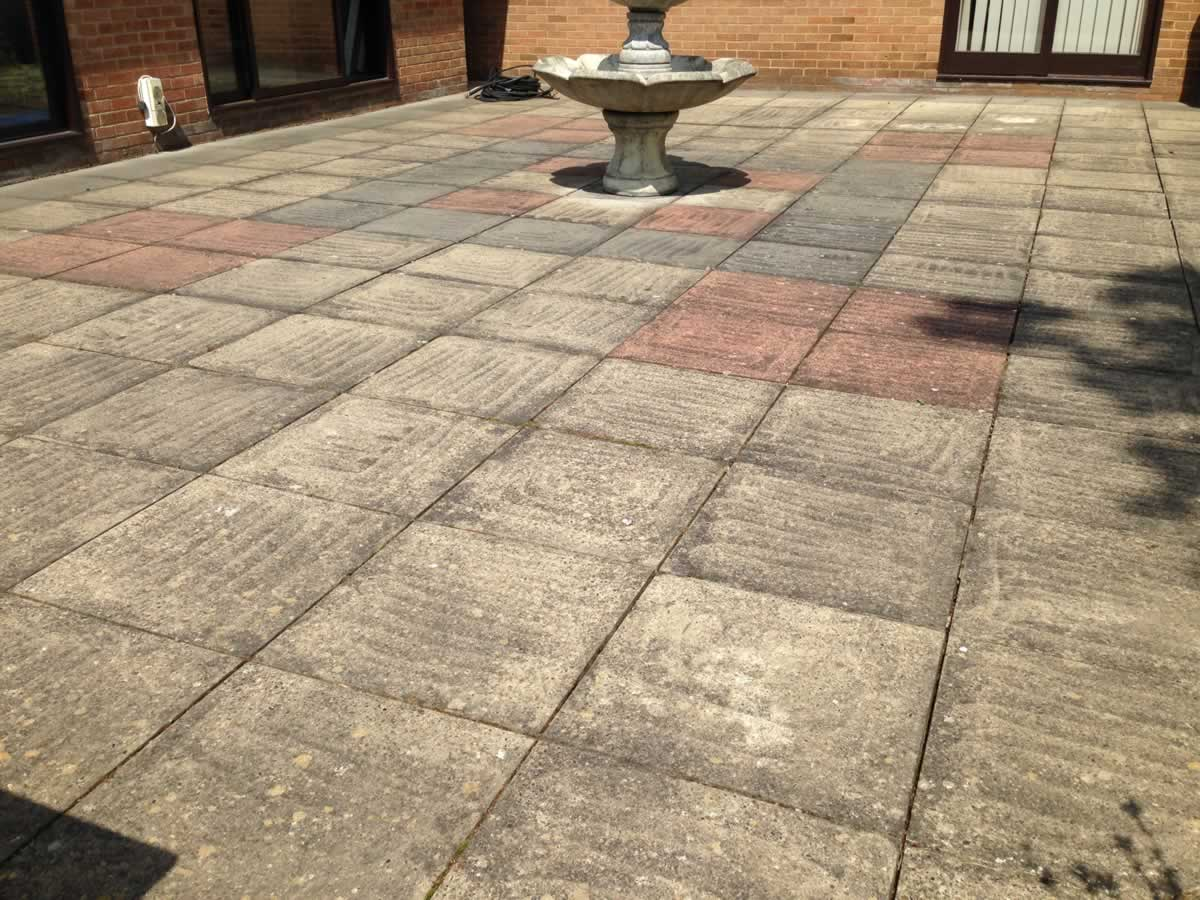 Patio paving cleaning norfolk odd bods for Pressure wash concrete patio