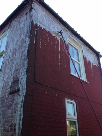 pressure washing Norfolk. Building and brick cleaning